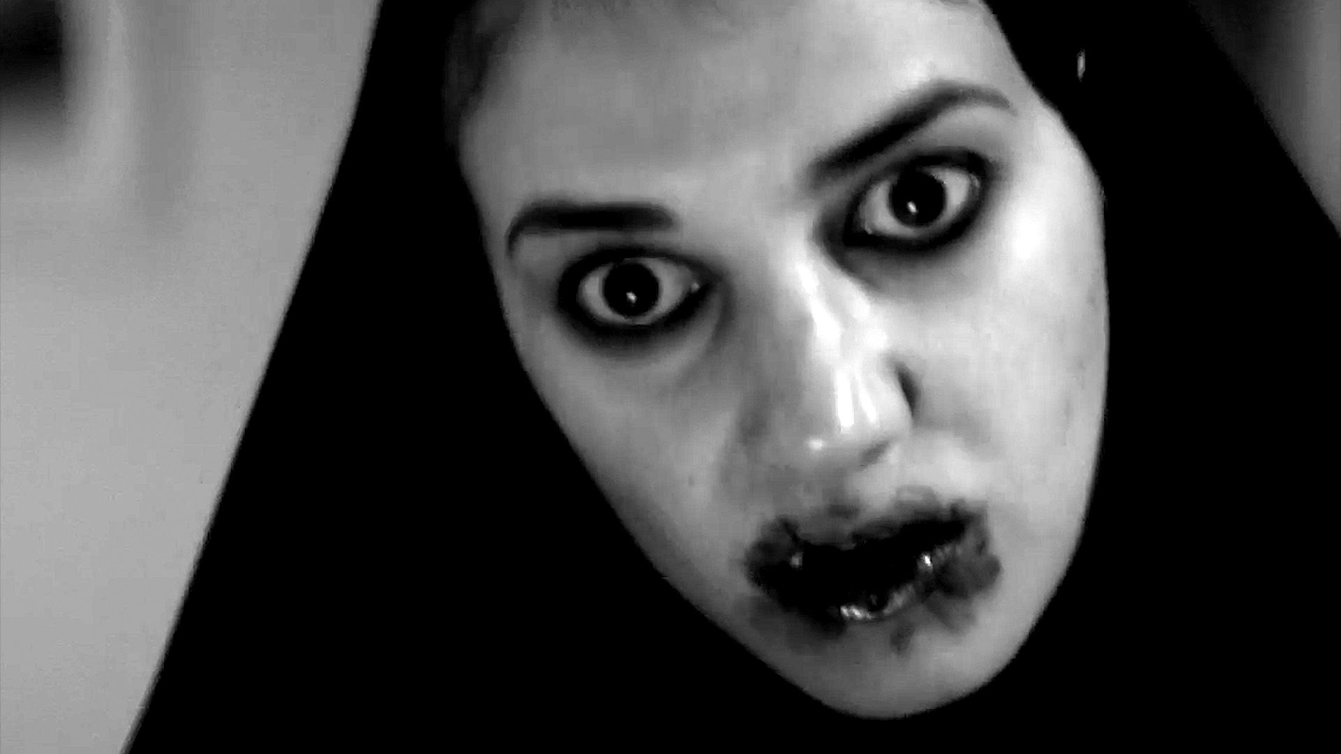 A Girl Walks Home Alone at Night Best Horror Movies 2015